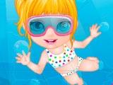 Малышка Барби случай у бассейна