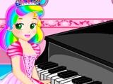 Принцесса Джульетт играет на пианино
