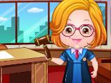 Малышка Хейзел в костюме судьи