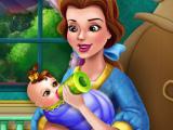 Белль кормить малыша